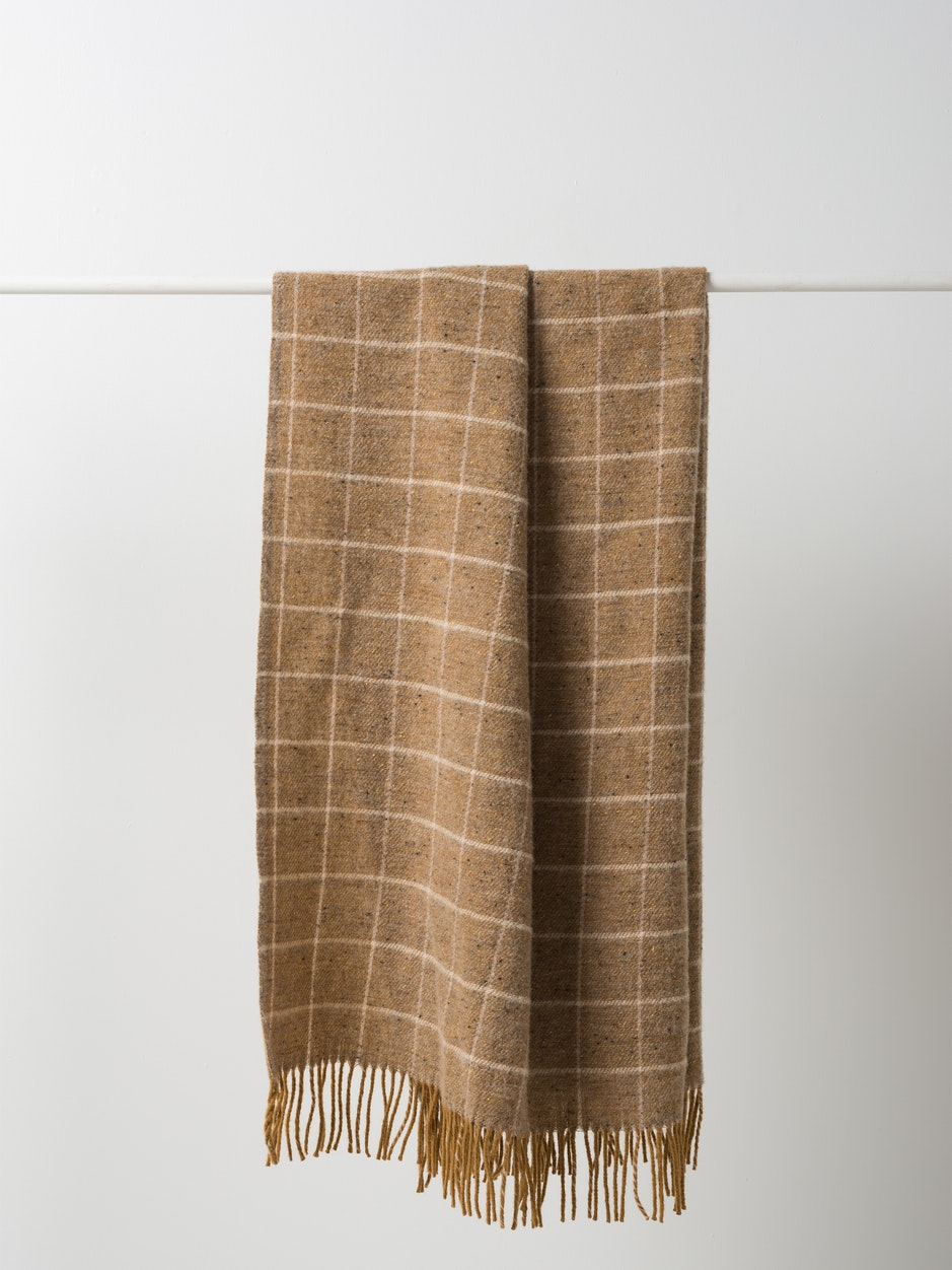 Grid Wool Throw w/Fringe - Jelly/Nude